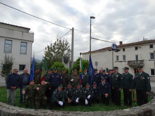 Podnanos - Skupinska slika z Veterani policije Vipavske doline